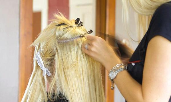 Наращивание волос специалистом