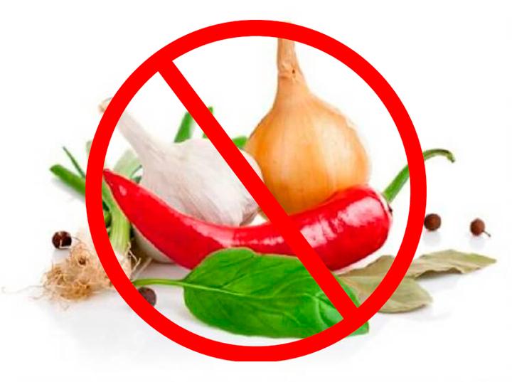 Нельзя есть пряности, чеснок и лук для более скорого выздоровления от витилиго