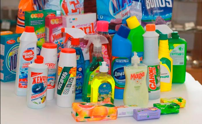 Постоянный контакт кожи с моющими и чистящими средствами