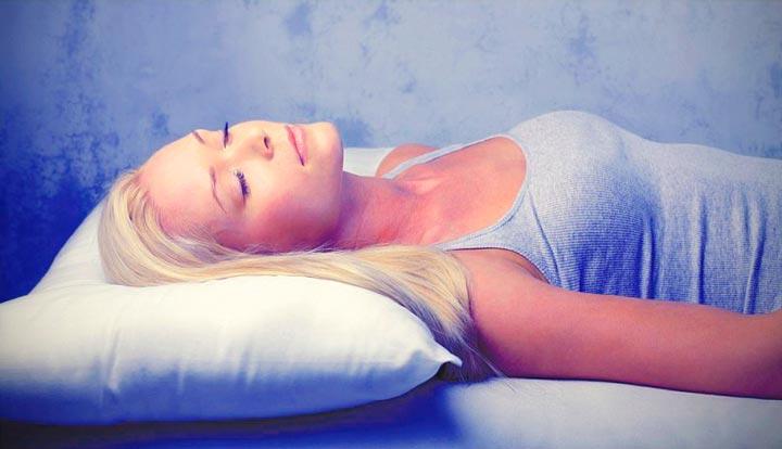 Сон на спине в первые 24 часа после лифтинга