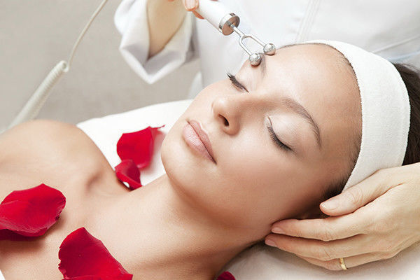 Процедура микротокового лифтинга лица и шеи