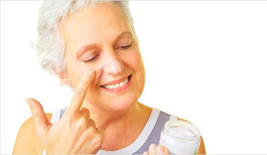 После 50 лет у женщин часто кожа становится сухой