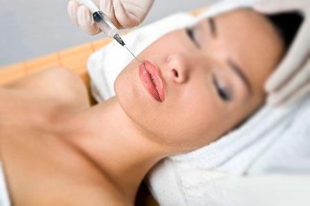 Сеанс инъекции губ гиалуроновой кислотой