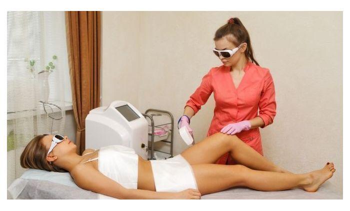Специальная кушетка для лазерной эпиляции