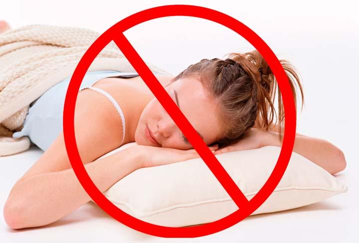 Запрещен сон на животе в течение недели после липосакции подбородка