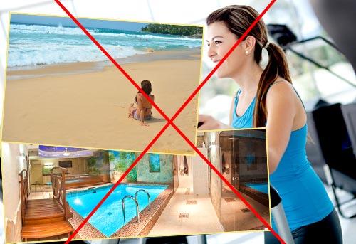 девушка в спортзале, на пляже, сауне