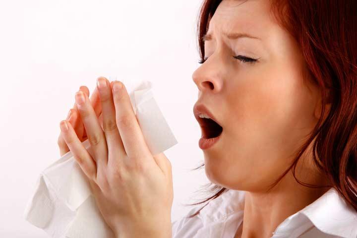 Чихание вследствие несвоевременного лечения перфорации носовых перегородок