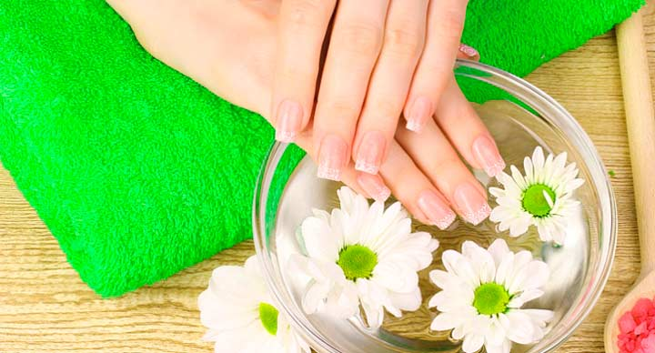 Ванночка для лечения ногтей