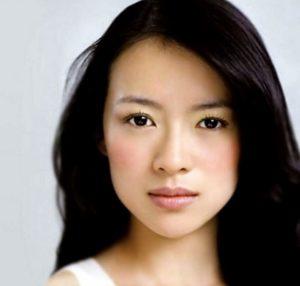 Красивы овал у азиатской девушки