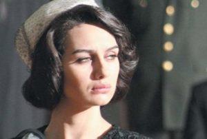 Турецкая актриса в роли горничной
