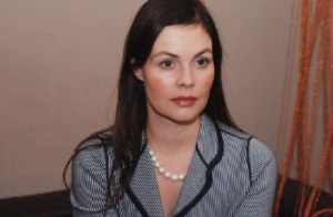 Андреева в пиджаке