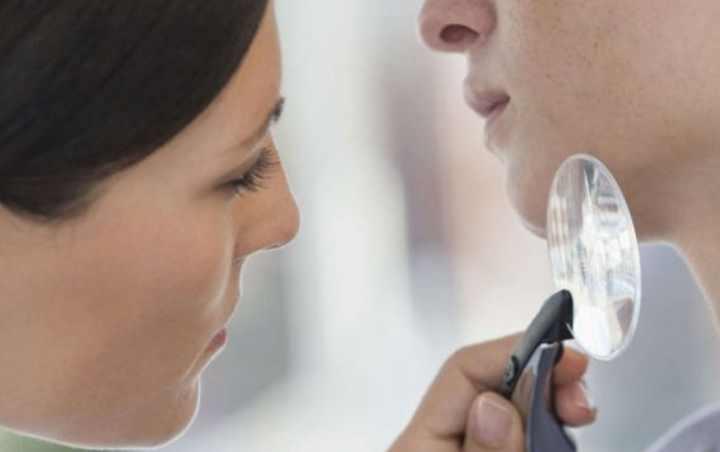 Одномоментно, в дерматологии припухлости дробятся