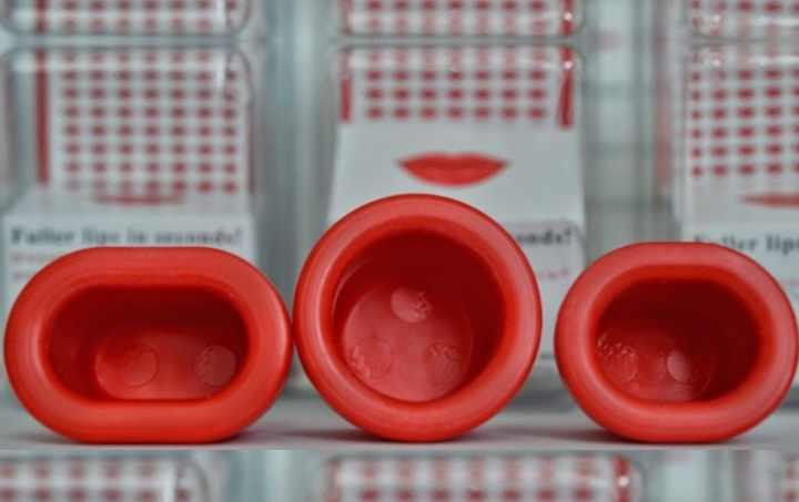 Накачивание губ происходит за счёт энергичного притока крови